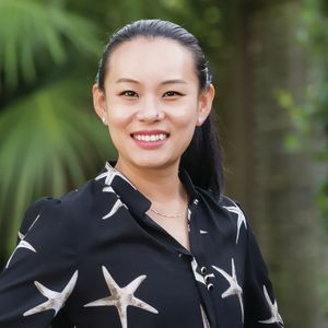 Photo of Elaine Lu